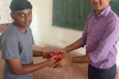 Prize Distribution for Winners in Quiz